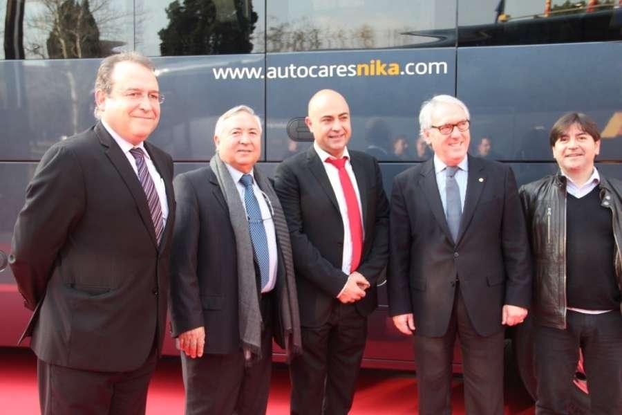 Precursor Profecía otoño  Autocares NIKA incorpora dos nuevos autocares panorámicos de gama alta
